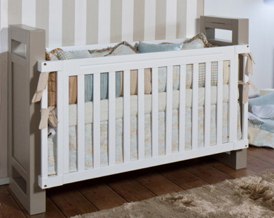Romina Ventianni Traditional Crib