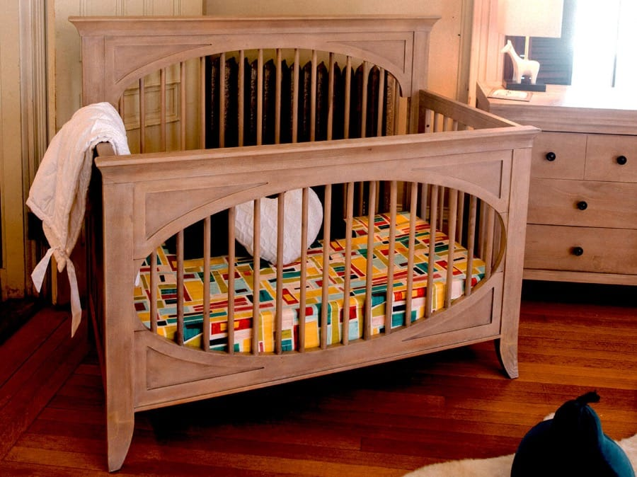 Milk Street • Cameo Oval Crib