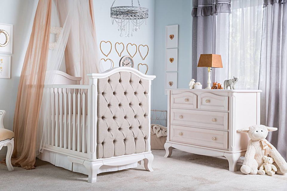 Romina - Cleopatra Collection with Tufted Traditional Crib